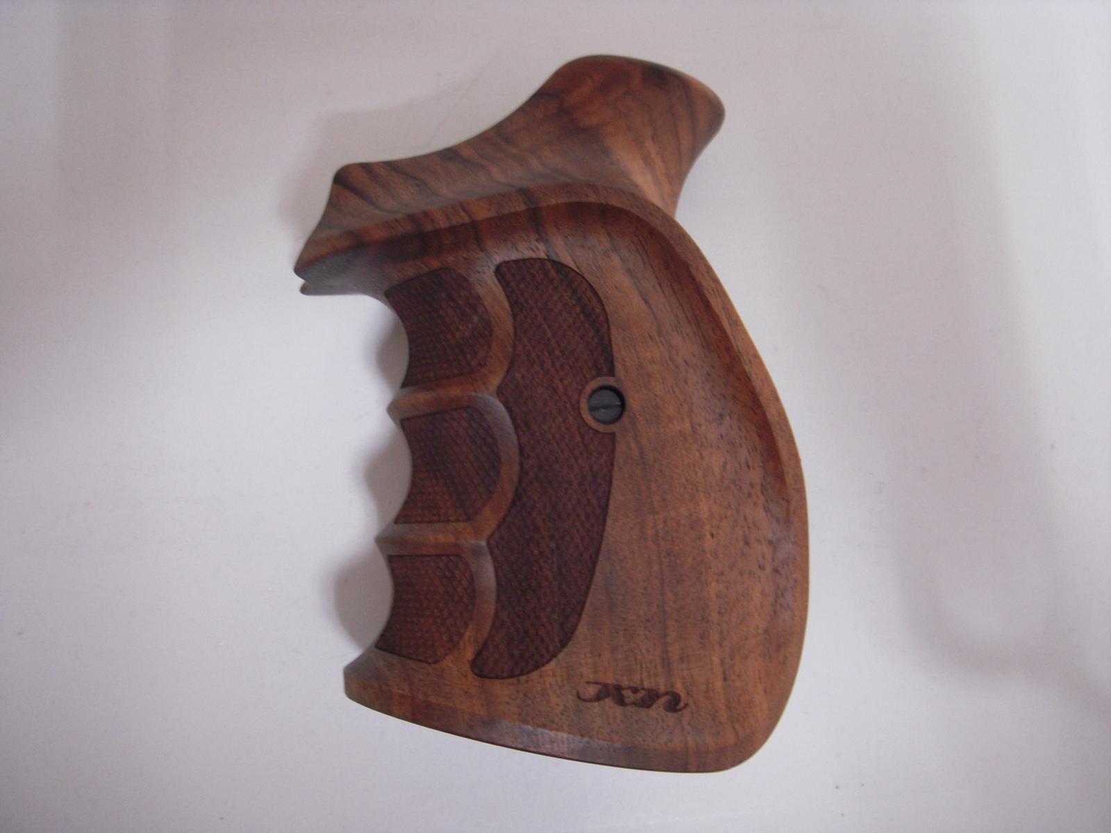 Poignée COMBAT en bois pour revolver Smith & Wesson K/L SB